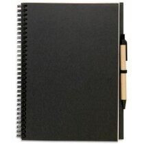 Libreta de cartón reciclado A4 con bolígrafo grabada negra
