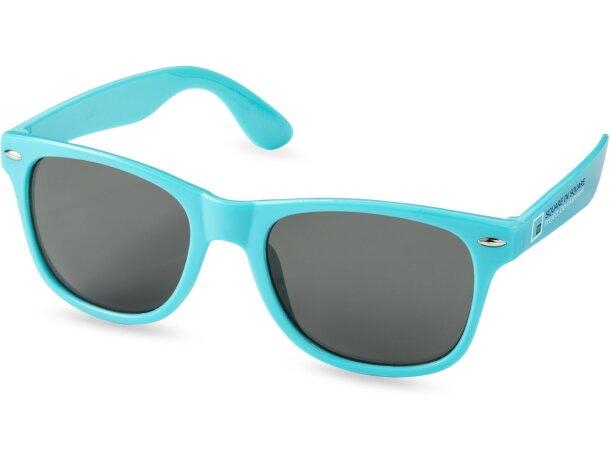 Gafas de sol estilo retro grabado
