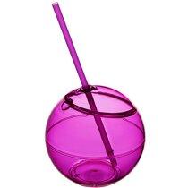 Bola de coctel con pajita rosa