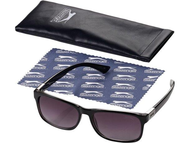 Gafas de sol de estilo retro grabado