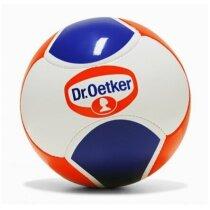 Balón fútbol con acabado brillante y diseño moderno