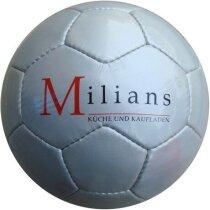 Balón de fútbol diseño clásico