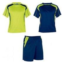 conjunto de futbol pantalon mas dos camisetas