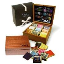 Cata de chocolate en caja de madera