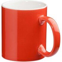 Taza de loza de color roja