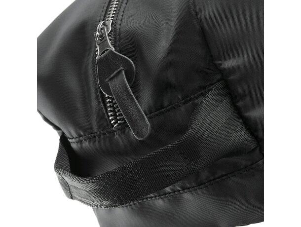 Neceser en color negro con detalles metálicos personalizado