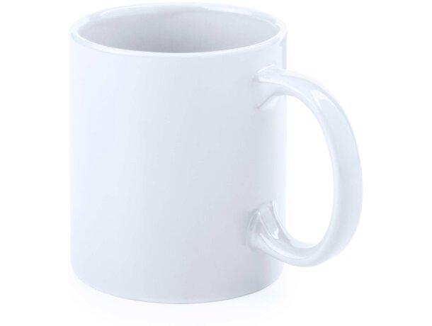 Taza blanca grabada