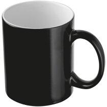 Taza e cerámica para café negra